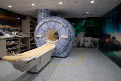 Heim Pál Gyermekkórház MR_mosható tapéta_fólia